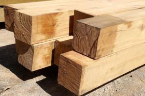 Фото: производство бруса из древесины сосны