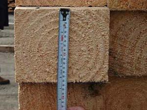 Фото: как правильно выбрать качественный сосновый брус
