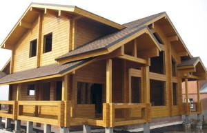 Фото: двухэтажный дом из клееного пиломатериала