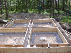 Фото: фундамент для дома с подвалом