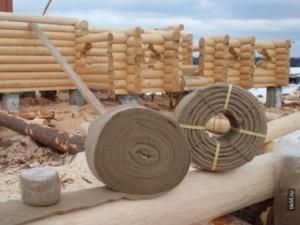 Фото: пакля и джут для конопатки друсового дома