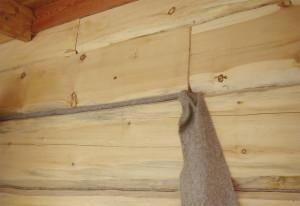 Фото: правельная укладка джута залог качественной конопатки