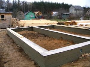 Фото: ленточный фундамент под деревянный дом