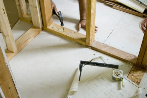 фото: монтаж каркасной перегородки