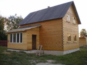 фото: пристройка к дому из дерева