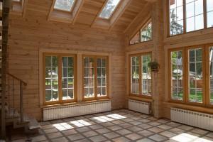 фото: Внутреннее покрытие дома из профилированного бруса