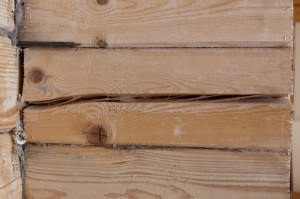 фото: внешний вид стены после усадки