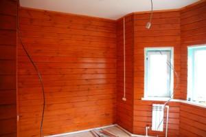 фото: Антисептирование внутри дома