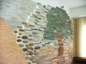 фото: Внутренняя отделка дома искуственным камнем