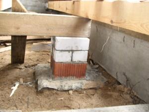 фото: Монтаж по грунту на столбики