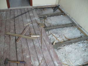 фото: монтаж холодного пола без подполья