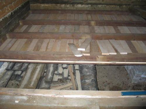 фото: устройство пола в деревянном доме
