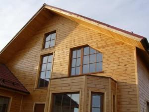 фото: каркасный дом обшитый имитацией бруса