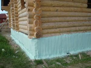 фото: утепление фундамента деревянного дома
