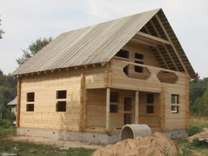 фото: усадка дома естсетвенной влажности