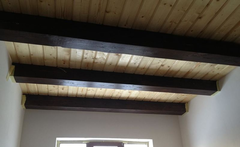 подшивка потолка внутри по контуру имитацией бруса